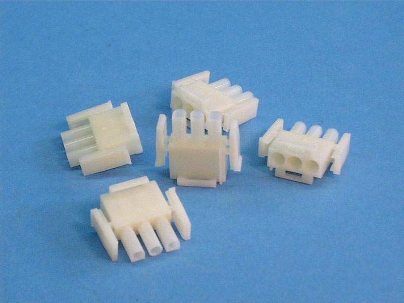 1-480700-5 - Plug, 3 Pin Amp Male, (5/pkg) - 1-480700-5