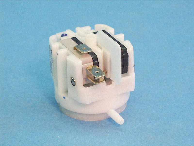 VR11120A - Vacuum Switch, SPDT, Radial Spout - VR11120A