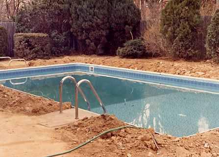 How do they build a swimming pool building an inground for Ideas to fill in inground pool